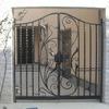 中型の住宅門扉