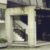 ロートアイアンによる半外部の装飾階段