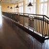 ロートアイアンによる階段とそれに続く水平部の装飾手摺①