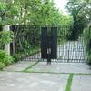ガーデン施設の門扉②