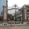 学校の正門の大型門扉①