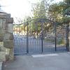 ガーデン施設の門扉