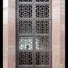 中国的な伝統模様の大型エントランス扉②