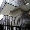 渡り廊下、ベランダ部も統一したデザインで表現③