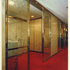 真鍮材を使ったレストランのガラス入りのパテーション②