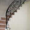ロートアイアンによる階段の装飾手摺⑪