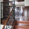ロートアイアンによる階段とそれに続く水平部の装飾手摺②