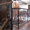 ロートアイアンによる階段とそれに続く水平部の装飾手摺④