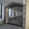 ロートアイアンによる回廊のアーチ装飾②
