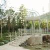 ウエデイング施設の庭園にあるガゼボ①